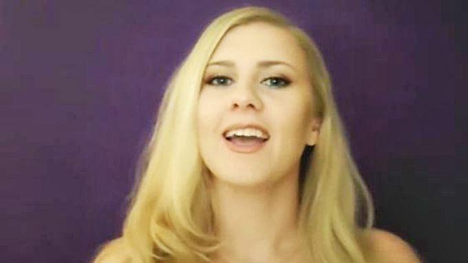 Säuselstunde auf Youtube: Maria entspannt Netzgemeinde mit Alltagsgeräuschen