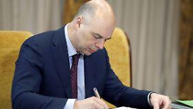 Kassenwächter Siluanow: Muss Russland das Renteneintrittsalter anheben?