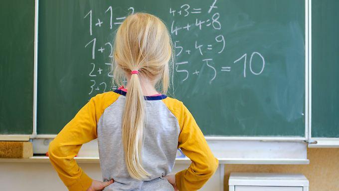 Wer einmal viel Geld verdienen möchte, sollte sich mit Mathe anfreunden, so die Studie.