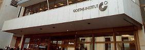 Das Goethe-Institut in Athen sollte schon einmal im Jahr 2000 gepfändet werden.
