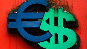 Dollar steigt und steigt: Schwacher Euro macht nur Exporteure glücklich
