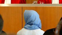 Sollten Lehrerinnen im Unterricht Kopftuch tragen dürfen?: Sollten Lehrerinnen im Unterricht Kopftuch tragen dürfen?