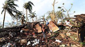 """Vanuatu in Trümmer gelegt: Beinahe alle Häuser durch Zyklon """"Pam"""" zerstört"""