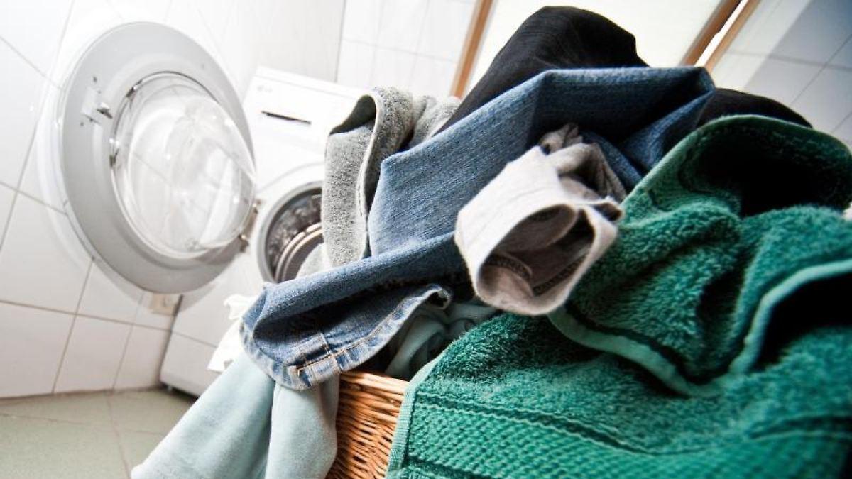 sparknopf und sp lmaschine wie verbraucher wasser sparen n. Black Bedroom Furniture Sets. Home Design Ideas