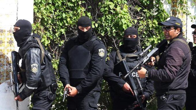 Terror in Tunesien: Attentäter erschießen mehrere Menschen