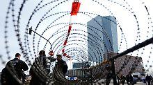Mit einem massiven Polizeiaufgebot gesichert: Am Tag der Eröffnung der neuen EZB-Zentrale erlebt Frankfurt einen Exzess der Gewalt.