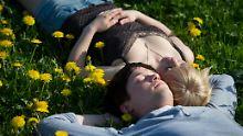 Müdigkeit, Haarausfall, Sonnenbrand: Gute Laune? Alles über den Frühling