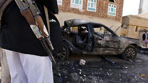 IS bekennt sich zu Anschlägen: Selbstmordattentäter töten im Jemen fast 140 Menschen