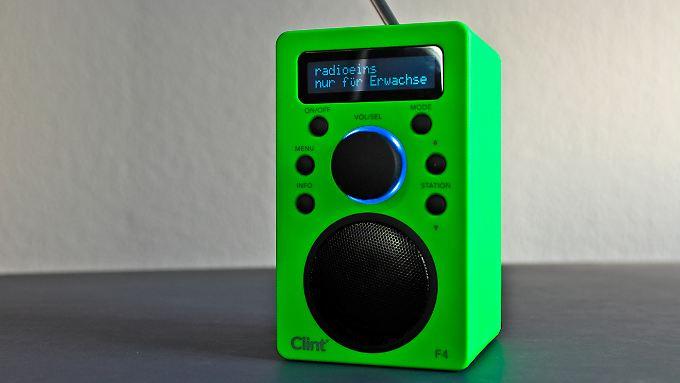 Das Clint Digital F4 ist ein DAB-Radio, das auch UKW und Bluetooth kann.