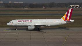 Eine A320 Airbus von Germanwings am Flughafen in Berlin