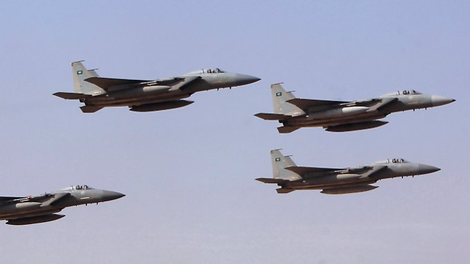 Mit seiner Luftwaffe hat Saudi-Arabien die jemenitische Hauptstadt Sanaa angegriffen.