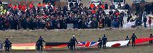 In einer Zeremonie gedenken sie nun gemeinsam derer, die sie verloren haben.
