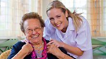 Fünf Pflegeversicherungen sind top: Reichlich gute Angebote