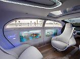Bei ihrem Forschungsfahrzeug F015 setzen die Mercedes-Designer auf große Fenster - das könnte sich als Segen herausstellen.