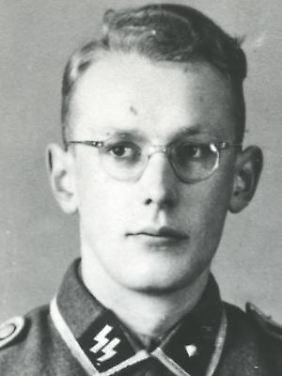 Oskar Gröning als SS-Rottenführer während des Krieges.