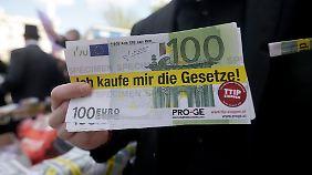 Umstrittenes Freihandelsabkommen: TTIP-Kritiker mobilisieren Tausende