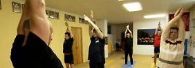 n-tv Ratgeber: Trendsportarten für Männer: Yoga, Pilates und Co