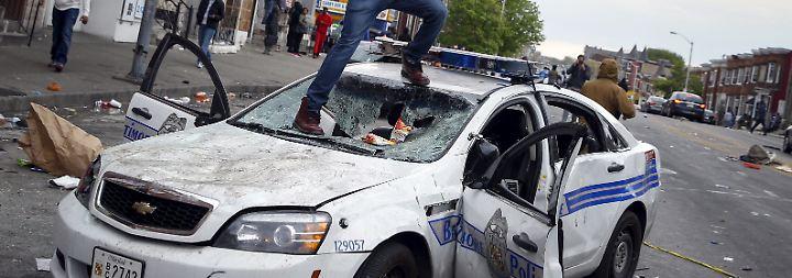 Ausgangssperre verhängt: Nacht der Gewalt in Baltimore