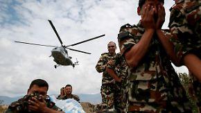 Rückschlag für Helfer in Nepal: Erneute Lawine verschüttet rund 250 Menschen