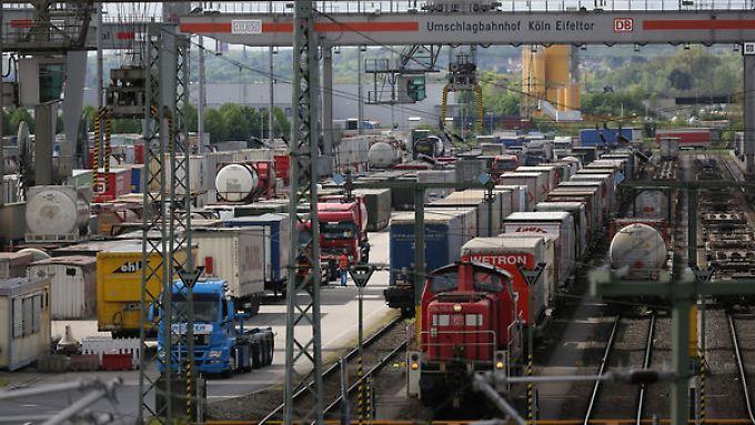 Streik schadet deutschem Image: Industrie besorgt über Stillstand im Güterverkehr