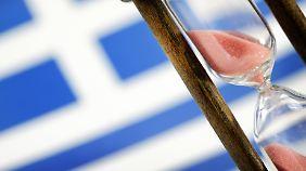 Drohende Pleite: Soll Griechenland ein drittes Hilfspaket bekommen?