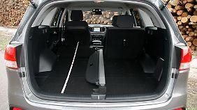 Nach Umlegen der Rückbank kann eine zwei Meter lange Ladefläche genutzt werden.