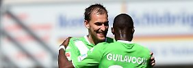 Paderborn rutscht auf Abstiegsrang: Dosts Doppelpack lässt Wolfsburg jubeln