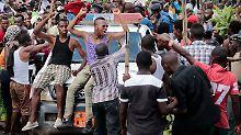 Die Putschisten werden in der Hauptstadt Bujumbura bejubelt.