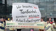 Gegenstimmen aus der Koalition: Bundestag beschließt Tarifeinheitsgesetz