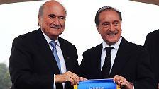 Der Uruguayer Eugenio Figueredo (r.) ist ebenfalls Vizepräsident und mit Mitglied des Fifa-Exekutivkomitees. Auch er wurde in einem Züricher Hotel verhaftet.