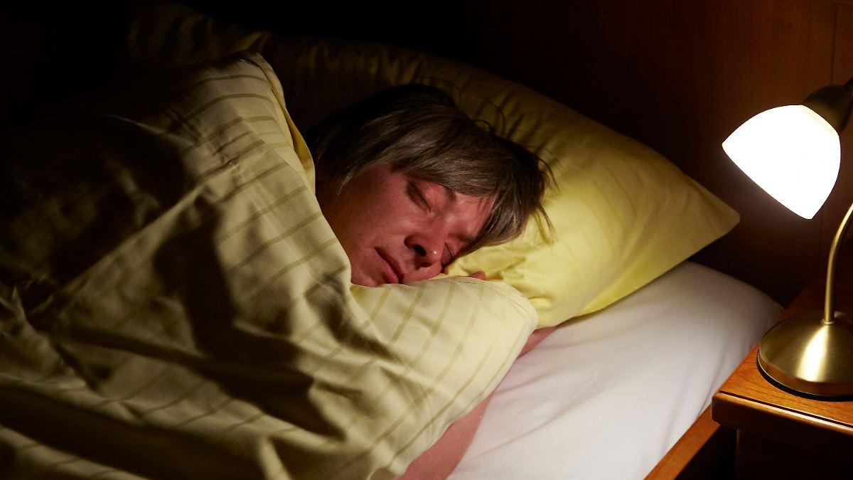 sexismus und rassismus schlaf kann vorurteile abbauen n. Black Bedroom Furniture Sets. Home Design Ideas