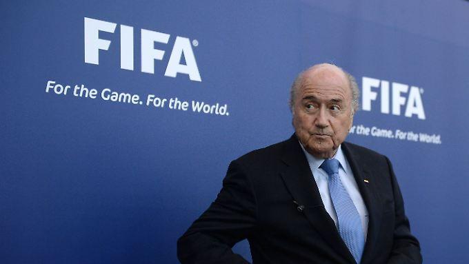 So heftig wie in den vergangenen Tagen war die Kritik an Blatter noch nie. Dennoch dürfte eine Mehrheit der Fifa-Delegierten ihn wiederwählen.