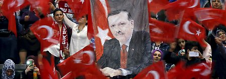 """Cem Özdemir macht Wahlkampf: """"Die Türkei entscheidet über ihre Isolierung"""""""