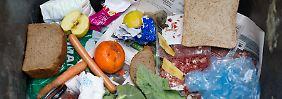 In Deutschland landen jährlich über 18 Millionen Tonnen Lebensmittel im Müll.