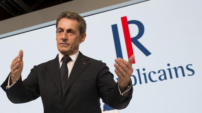 """Für Frankreichs Ex-Präsident Nicolas Sarkozy ist die Flüchtlingswelle in Europa wie ein """"Rohrbruch""""."""