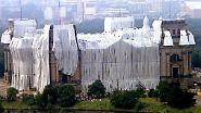 Deutschland kann so entspannt sein: Reichstagsverhüllung brachte Sommermärchen