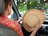 Kühlen Kopf bewahren:Bei hohen Temperaturen verlieren Autofahrer schnell die Konzentration am Steuer. Viele Pausen können helfen.