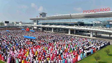 Neuer Prunk für die Elite: Diktator Kim weiht neuen Flughafen ein