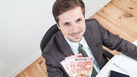 Die jüngsten Tarifabschlüsse sind zwar nicht ganz so hoch wie die des Vorjahrs, bringen aber dennoch spürbare Einkommenszuwächse.
