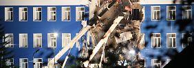 23 Tote im sibirischen Omsk: Eingestürzte Kaserne begräbt Soldaten