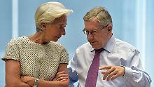 Klaus Regling im Gespräch mit IWF-Chefin Christine Lagarde.