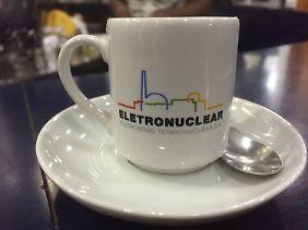 Es wurde an alles gedacht: Atom-Tasse.