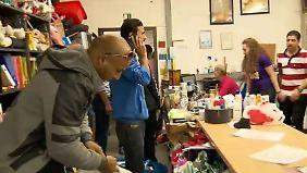 Sachspenden im Minutentakt: Mülheimer gründet Warenhaus für Flüchtlinge
