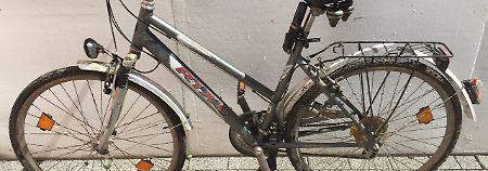 Das silberfarbene Damenrad habe, nach Angaben der Polizei, nicht der Familie gehört.