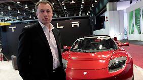 Verlust und gesenkter Ausblick: Tesla enttäuscht Anleger