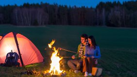 Vorsicht, dass einem das Lagerfeuer nicht als Brandstiftung ausgelegt wird.