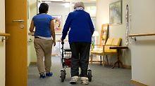 Pflege nur wenige Jahre stabil: Patientenschützer befürchten Kürzungen