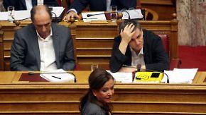 Debatte im Athener Parlament: Tsipras' Kehrtwende sorgt für Unmut in der Bevölkerung