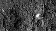 """Raumsonde liefert schärfere Bilder: Geheimnis um Ceres-""""Pyramide"""" gelüftet?"""