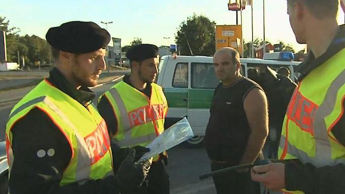 Hunderte Flüchtlinge täglich: Mit der Polizei auf Schleuser-Jagd im Raum Passau